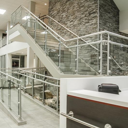 Hollaender® Railings in Retail Applications