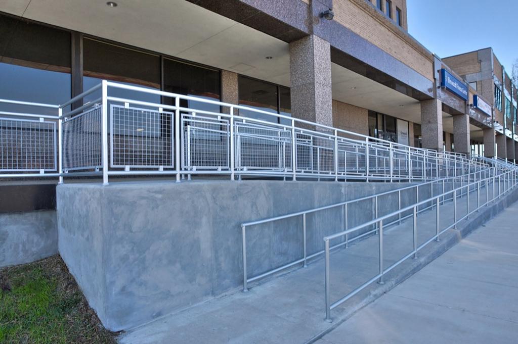 Hollaender® Railings in Healthcare Facilities