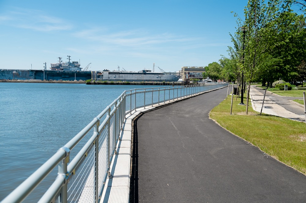 Hollaender® Railings in Landscapes and Parks