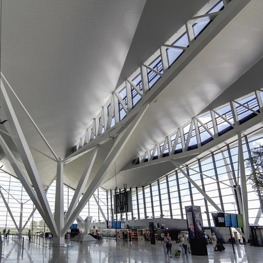 Metal Ceilings - Wide Panel - 300C/300L / Hunter Douglas Architectural (Europe)