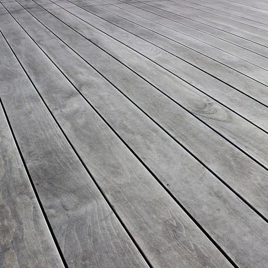 Deck de madera acetilada