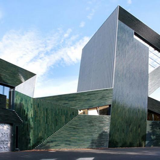 Facade - NBK Terracotta TERRART Custom / Hunter Douglas Architectural