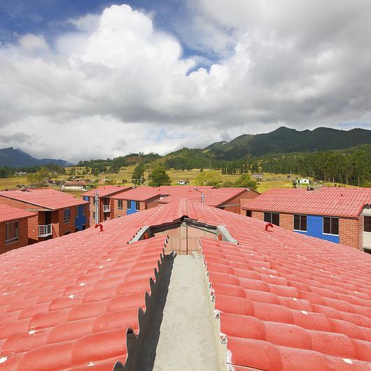 Teja Granada de Cemento / Proteja® / Etex Colombia