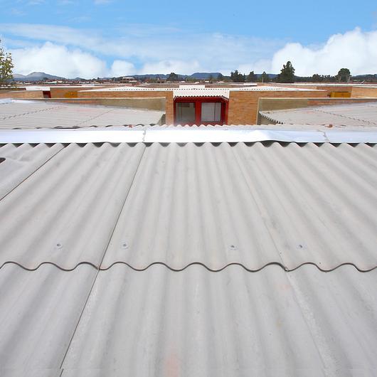 Teja Ondulada Perfil 7 de Cemento / Proteja®
