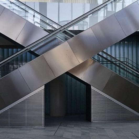 Escaleras Eléctricas y Andenes - Públicas / Otis