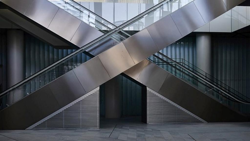 Escaleras Eléctricas y Andenes - Públicas