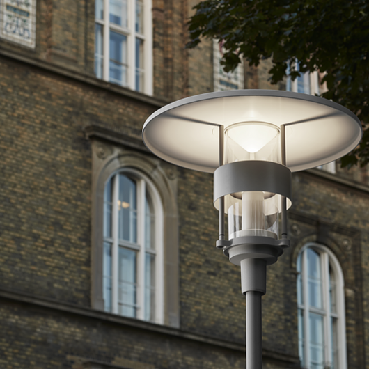 Street Lighting – Post Tops / Louis Poulsen