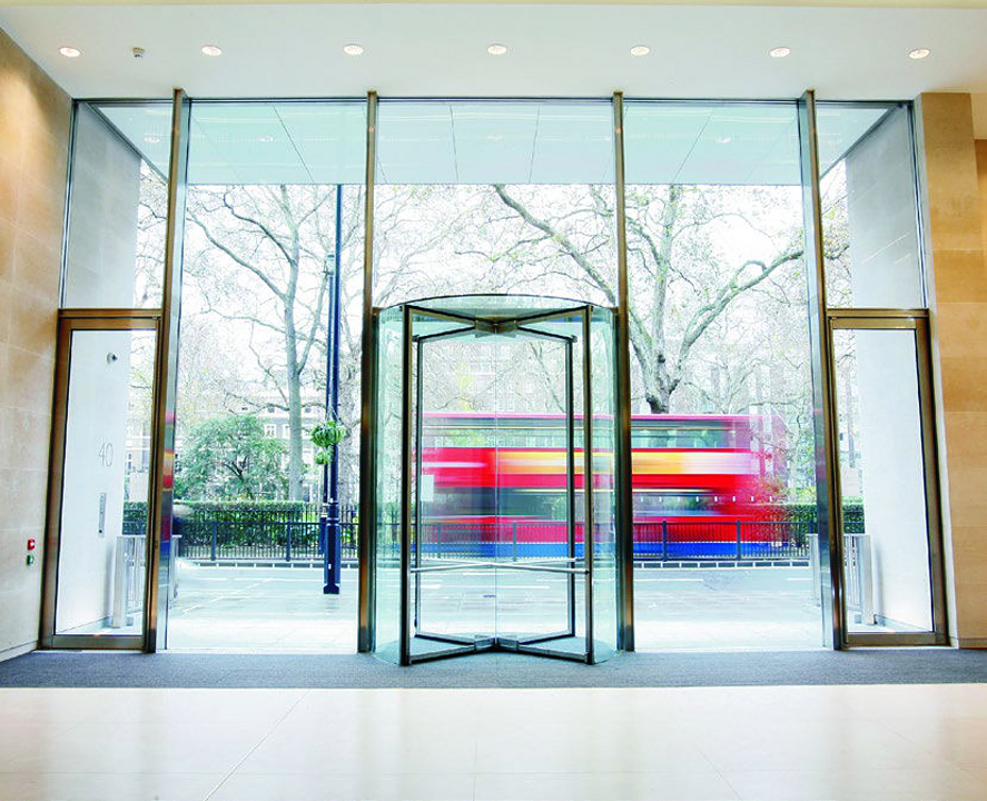 Puertas giratorias para hoteles y centros comerciales