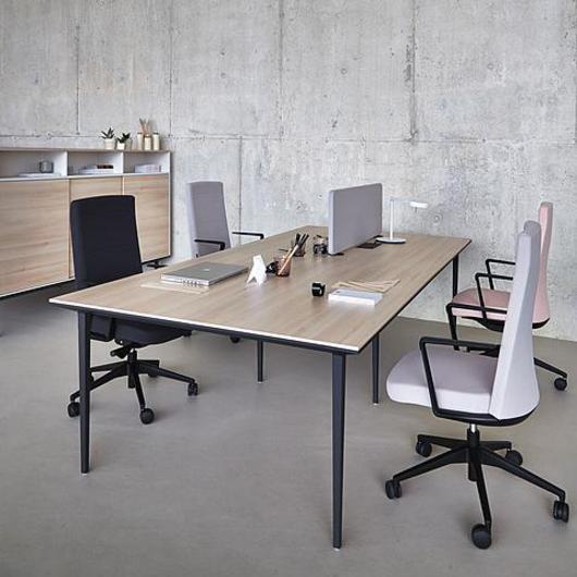 Mesas y escritorios Longo / Actiu