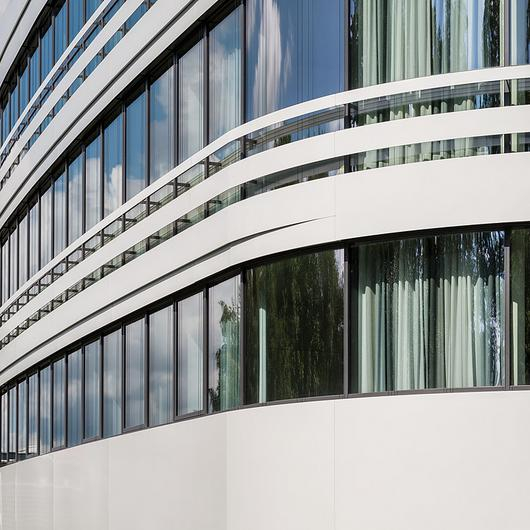 Ventilated Curtain Wall - Europlate?