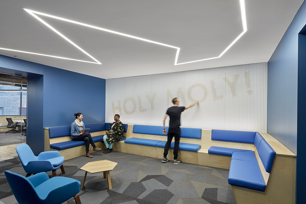 Image of: Linear Led Recessed Ceiling And Wall Lighting Quick Ship Us From Alcon Lighting