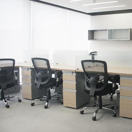 Melamina Vesto en mueblería de oficina - Ambercrest / Arauco