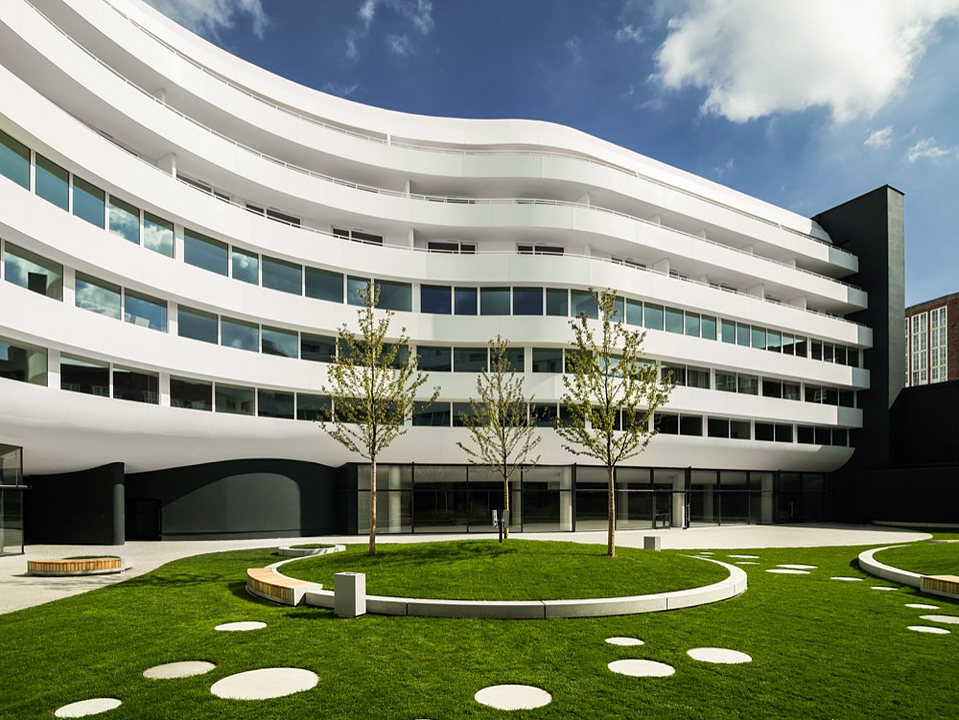 DuPont™ Corian® in OVO Wroclaw Centre
