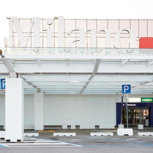 Corian® Exteriorsin Milano Linate Airport / Corian® Exteriors