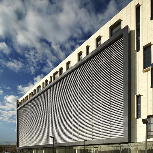 Control solar - Cortasol accionable Aeroscreen / Hunter Douglas