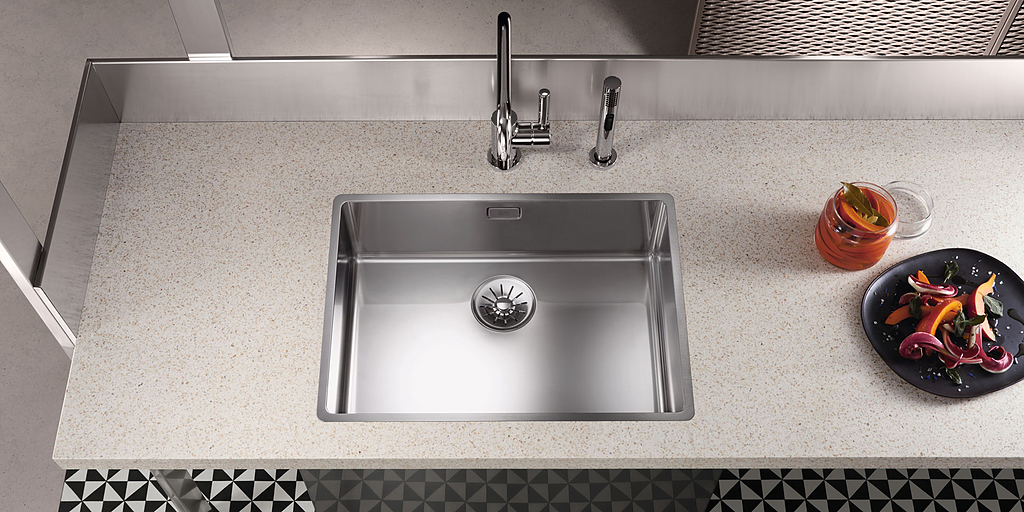 Kitchen Sinks - Polished Stainless