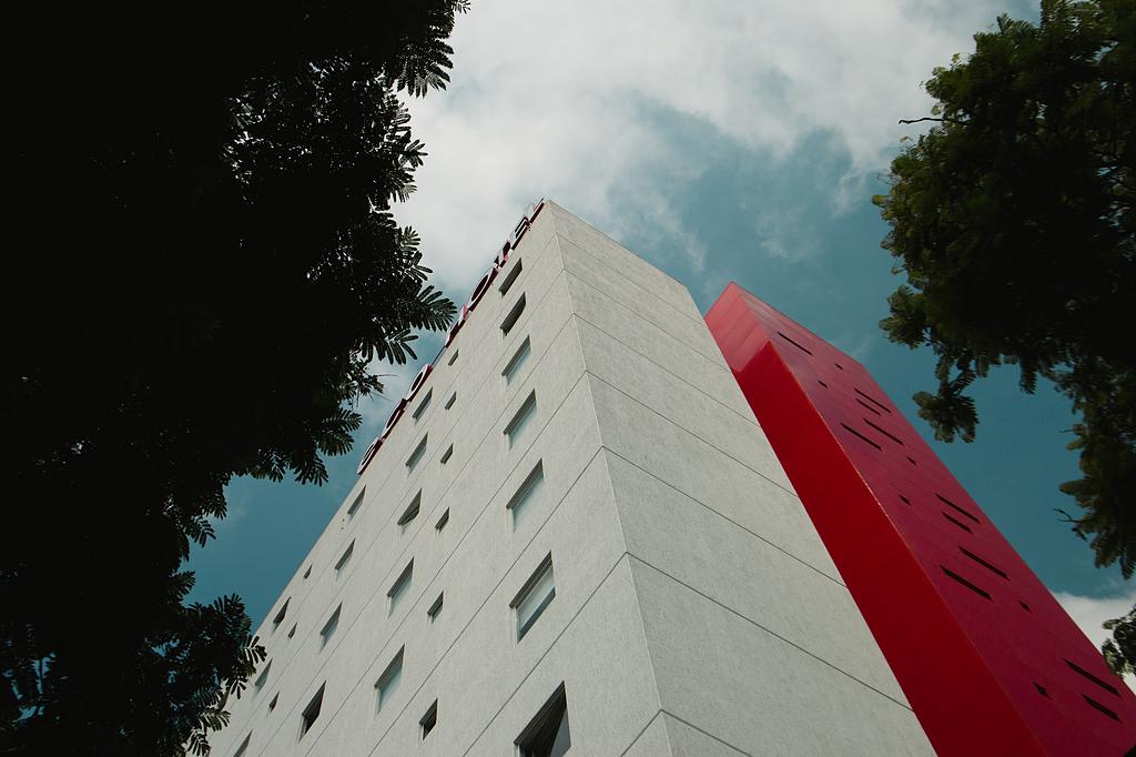 Panel de Aluminio STACBOND– Remodelación Eco Hotel Guadalajara