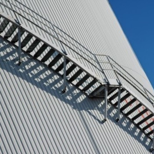 Barras y Perfiles de acero reciclado para Barandillas Urbana modelo Industrial