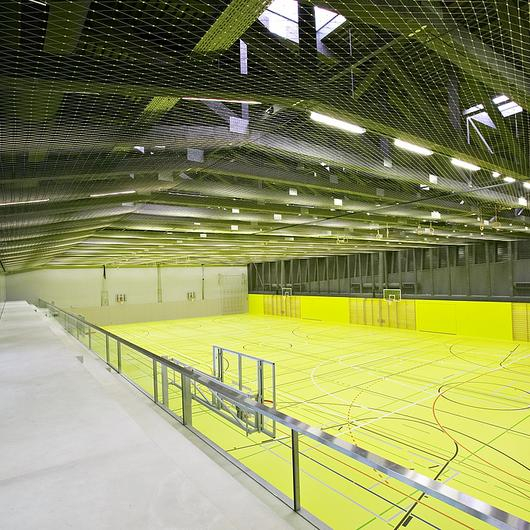 Webnet en gimnasio en Gurmels / Jakob