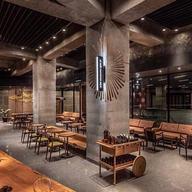 Aplicación de aislantes acústicos Sono Tent y Echo Grip en Starbucks Reserve