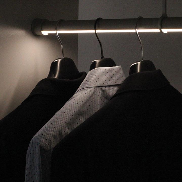 Closet Rod Direct Light Fixture