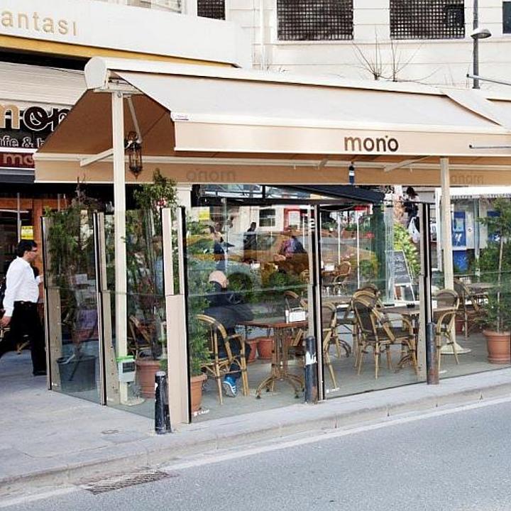 Glass Balustrade in Mono Cafe