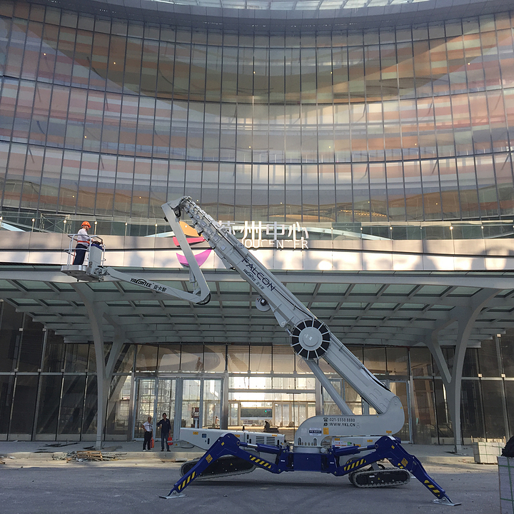 Falcon Spider Lifts in Suzhou Mall