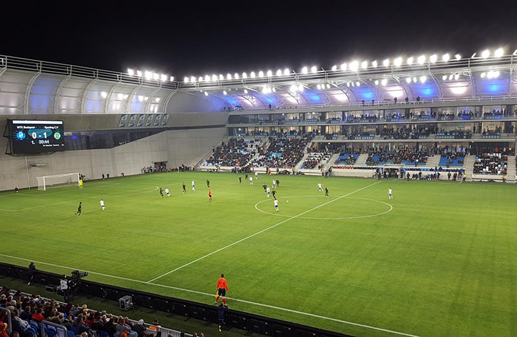 Iluminación LED Omniblast Gen2 para recintos deportivos