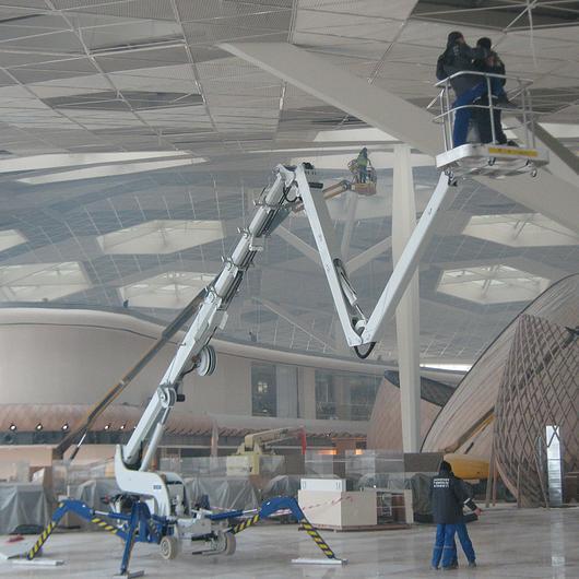 Falcon Spider Lift in Baku Airport / Falcon Lifts