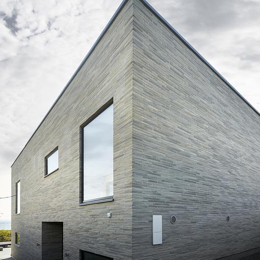 Facing Bricks - Ultima RT 153