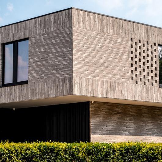 Facing Bricks - Ultima RT 156