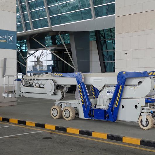 Falcon Spider Lift in Oman Airports / Falcon Lifts
