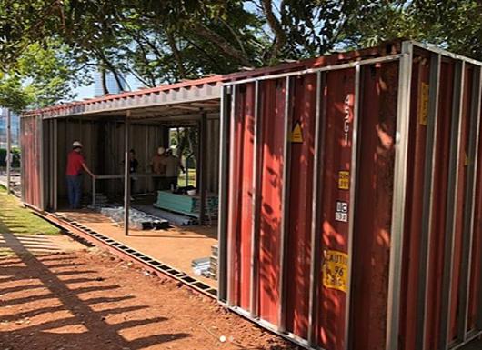Aplicação de Esquadrias Minimalistas da Unibox na Casa Container, na Casa Cor 2019 | Projeto: Marilia Pellegrini | Foto: Alexandre Liporoni