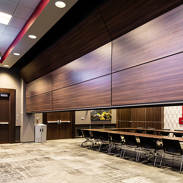Vertically Folding Operable Walls – Zenith® Series