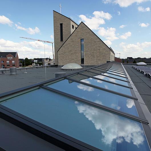 VELUX Modular Skylights in Kirche Erkelenz / VELUX Commercial