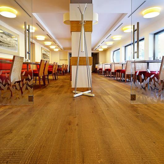 Pisos de madera de roble Harfa  - ESCO / Nuprotec