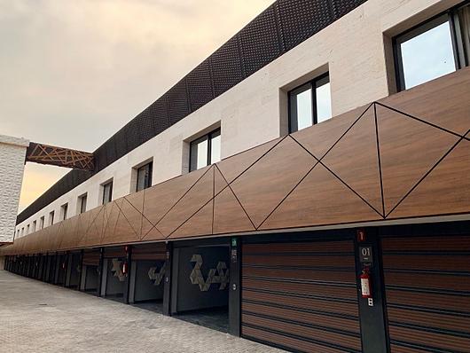 Paneles Max Compact Exterior en proyecto hotelero