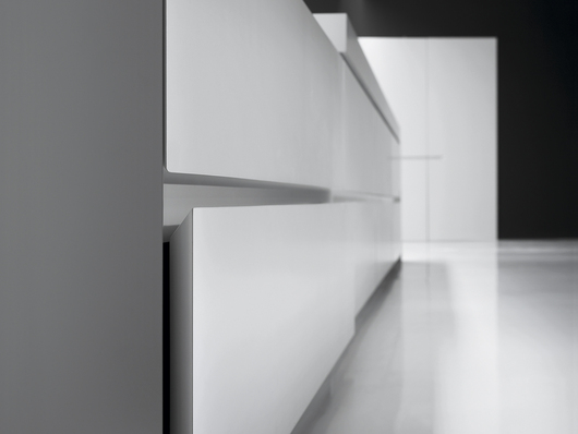 VERVE Kitchen - Detail of drawers with 45° edges - www.minimalusa.com