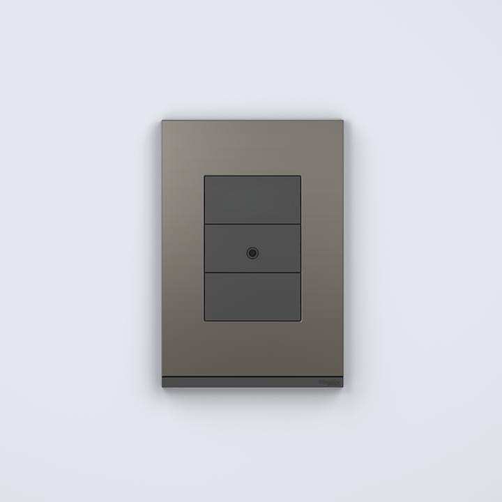 Placa 4x2 3P/ALU para interruptores e tomadas - Orion Class/Grey Fenix