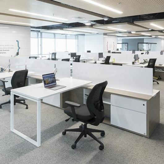 Mobiliario en oficinas / Muma