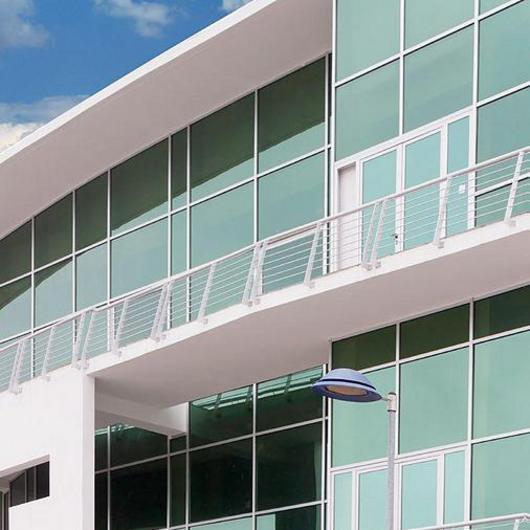Sistema de fachadas ligeras  -  Strugal S52CR/NT