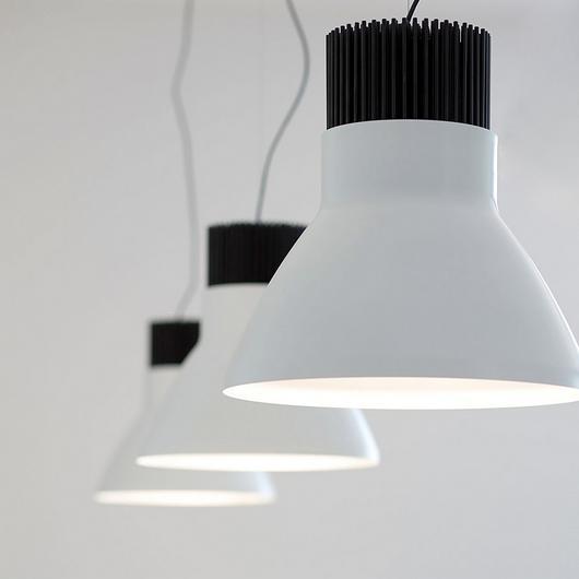Lámparas de pared y techo / Flos