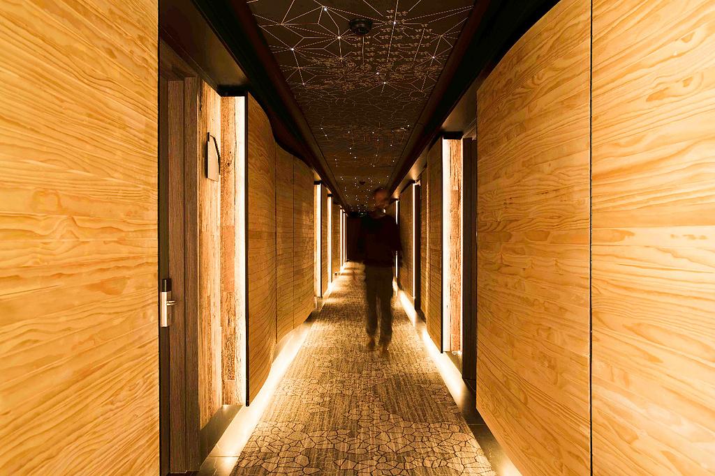 Revestimientos para pisos y muros en remodelación Hotel Termas de Chillán
