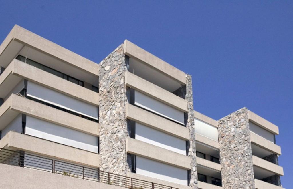 toldos verticales para exteriores de hunter douglas window