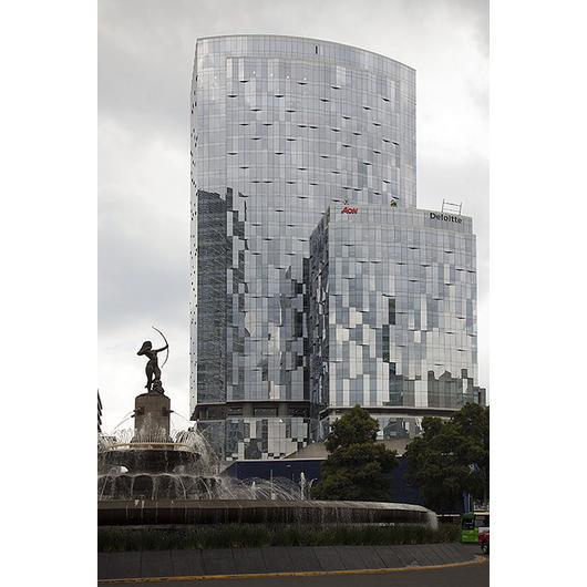 Vidrios para fachadas y ventanas / Saint-Gobain