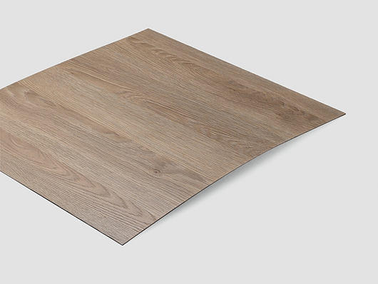 Thanks to its robust surface, the laminate is highly suitable for the decorative design of interior doors