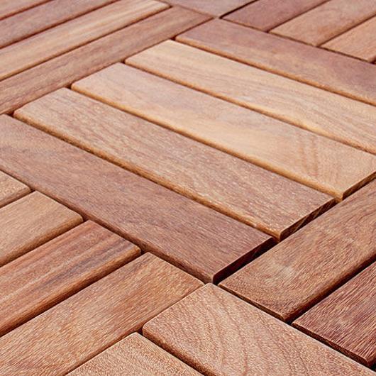 Deck Tiles de madera / Bozovich