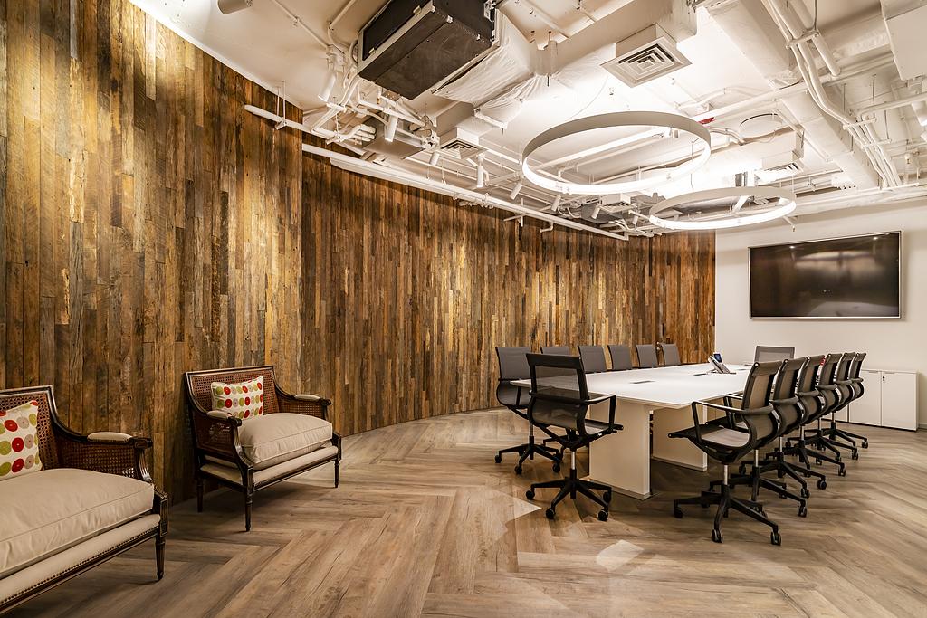 Revestimientos Covering en oficinas Corporativas Forus S.A
