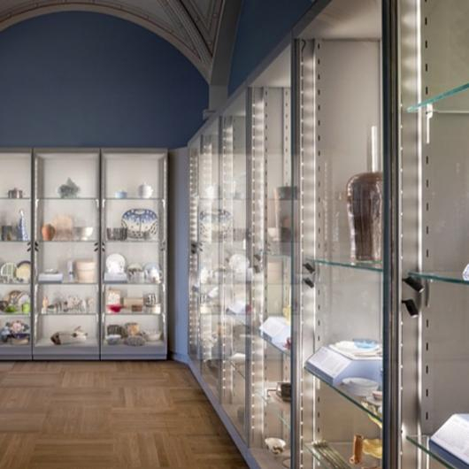 Display Cases in Stockholm Nationalmuseum / Goppion