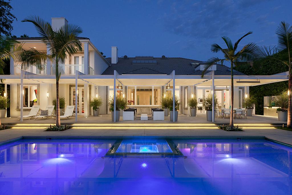 Retractable Canopies in Beverly Hills